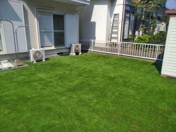 4.29 庭木処分 人工芝張り