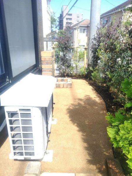 砂利敷き、固まる土、庭木の剪定/さいたま市