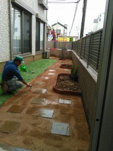 庭雑草が出ないように作り替えます埼玉東京おすすめの庭の会社です