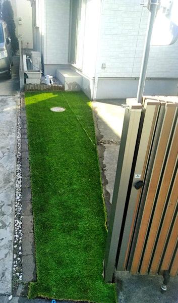 防草シート、人工芝の雑草対策、抜根作業、/上尾市