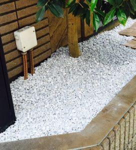 木の下白い石入れたいおしゃれ埼玉県さいたま市上尾市川口市浦和